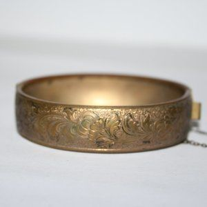 Vintage gold etched bangle bracelet
